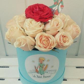 Цветы в коробке, Цветочная композиция
