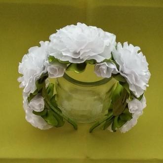 обруч белые розы