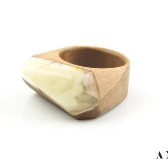 Янтарное кольцо с деревом груши!
