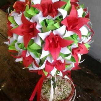 Топиарий кусудами лилия