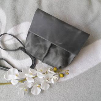 Сумка из натуральной кожи кожи спил велюр с восковым покрытием и винтажным эффектом. Цвет серый.
