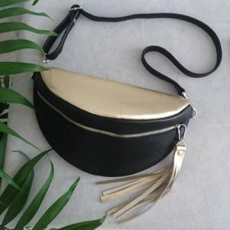 Поясная сумка из натуральной кожи. Цвет черный/золото.