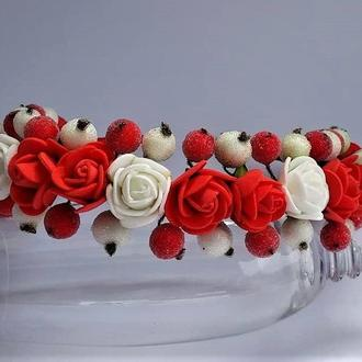 Обруч на голову с цветами красный с белым