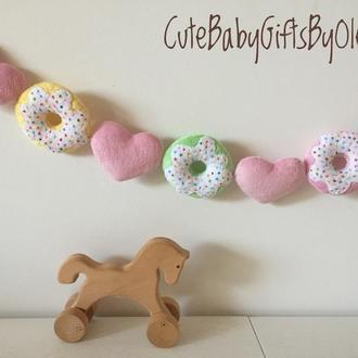 Гирлянда для детской комнаты Пончики