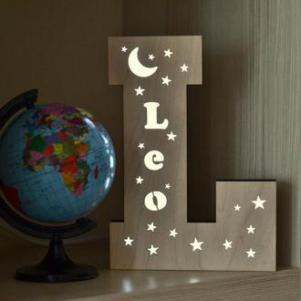 Led-светильник из дерева с именем - Leo