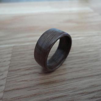 Хендмейд кольцо из дерева черный орех