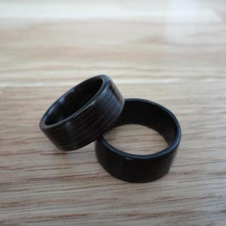 Кольцо  из ценной породы черного дерева венге 18 размера
