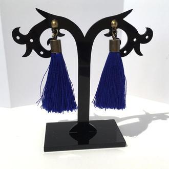 Короткие серьги кисточки синие