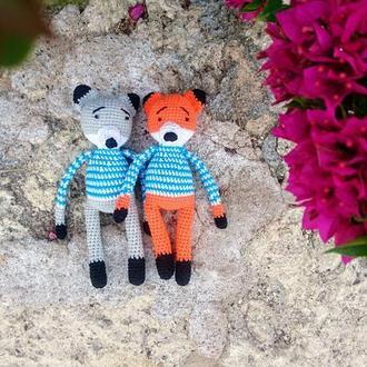 Лисичка и Волк - вязаные игрушки ручной работы