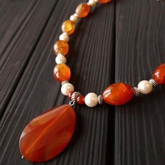 Кольє з натуральними перлами та сердоліком Колье из сердолика с жемчугом
