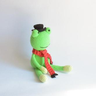 Распродажа! Джентльмен ищет свой дом! Вязаный лягушонок. Игрушка в машину. Интерьерная игрушка.