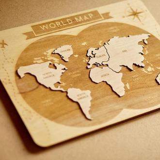 Дерев'яна мапа світу