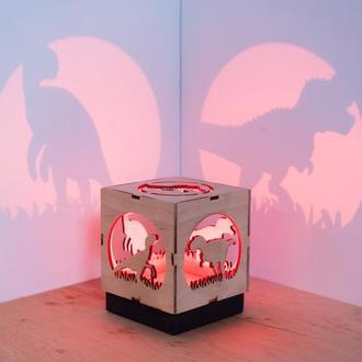 """Деревянная прикроватная лампа-проектор """"Парк Юрского периода"""""""