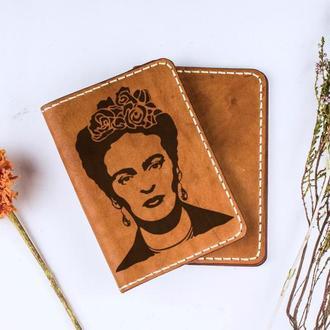 """Кожаная обложка для паспорта """"Фрида Кало"""""""