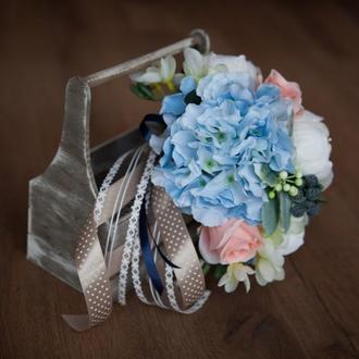 Букет невесты из искусственных цветов в голубых тонах