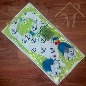 Подарок новорожденному мальчику пинетки галстук бабочка слюнявчик baby shower gift box