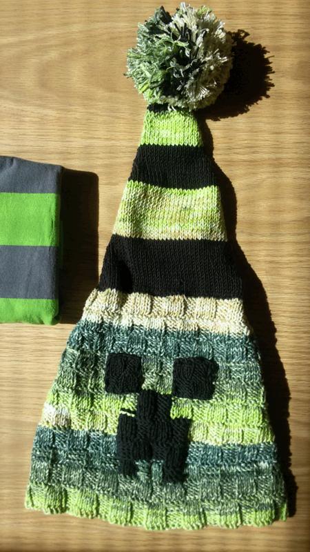 Шапка Кріпер (Minecraft Creeper) з помпоном ручной работы купить в ... f16bbb595c
