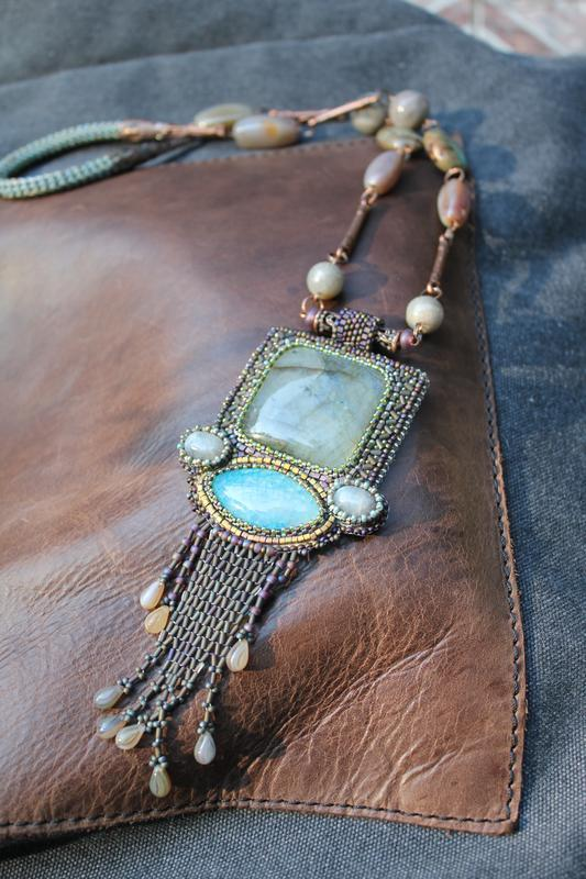 Колье кулон с натуральными камнями. Лабрадор, агат, яшма, вышивка бисером. Длинное украшение Бахрома
