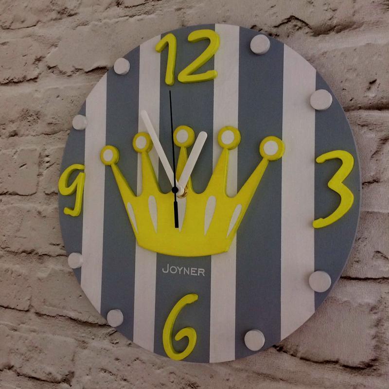 Детские деревянные настенные часы Корона желтая