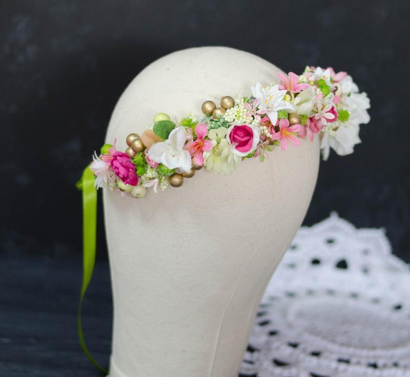 Венок яркое лето с цветком анемона