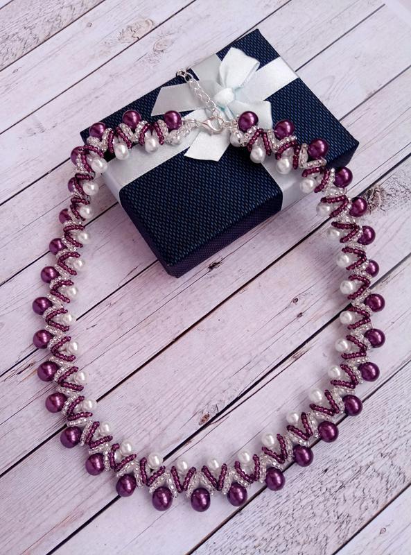Колье, ожерелье бело-фиолетовое