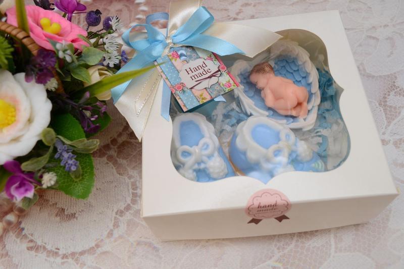 Набор мыла на крестины или рождение ребенка ( Малыш на крыльях, Пинетки)