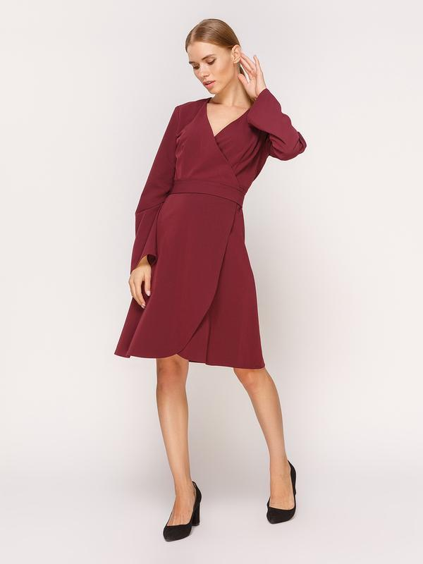 Платье цвета марсала на запах