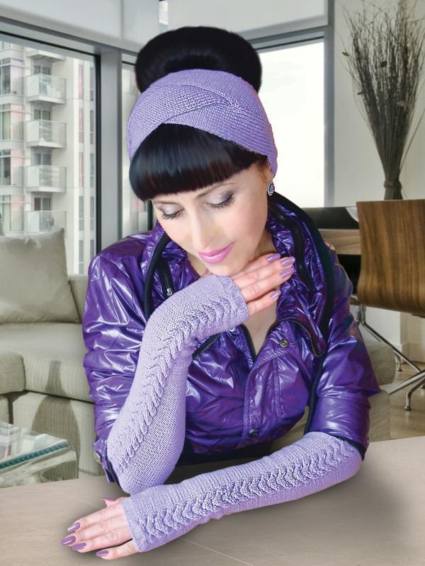 стильный комплект вязаные митенки перчатки без пальцев и повязка