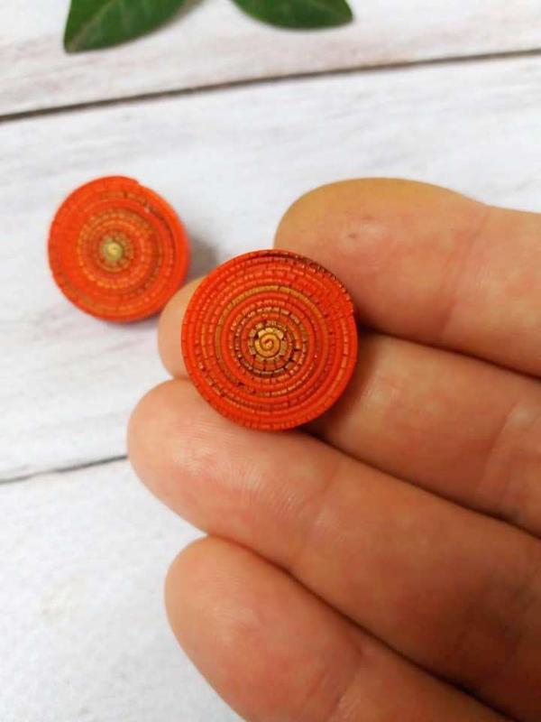 Серьги гвоздики из полимерной глины
