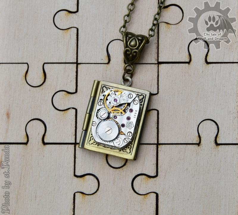 Фото медальон книга  в стиле steampunk (в наличии последние 2 шт.)