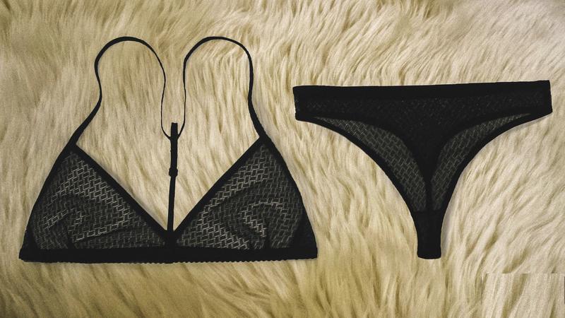 подарок девушке , Кружевное нижнее белье, бюстгальтер размер 75А 75В стринги XS S M L, комплект