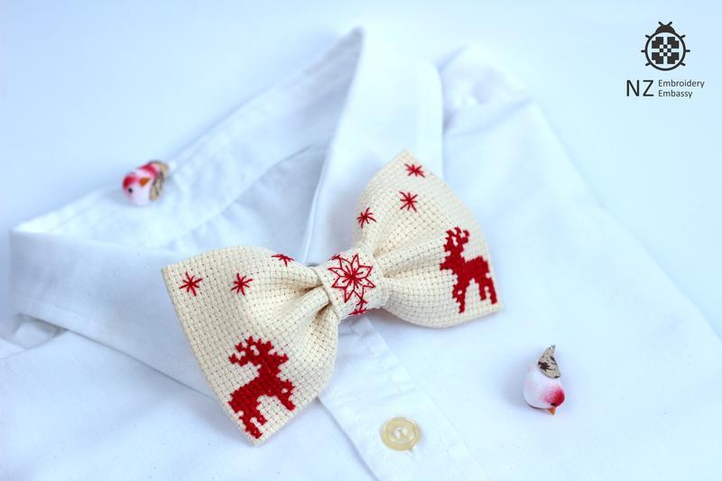 """Вышитая галстук-бабочка """"Christmas Noel"""""""