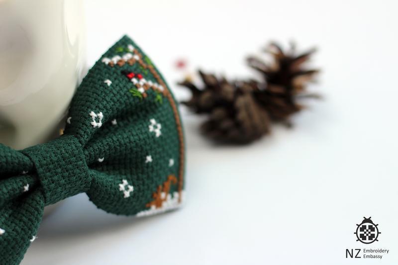 """Вышитая галстук-бабочка """"In the wood"""""""