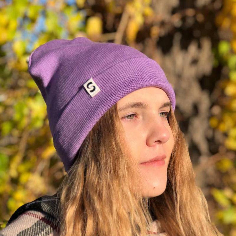 Шапка нежно-фиолетового цвета