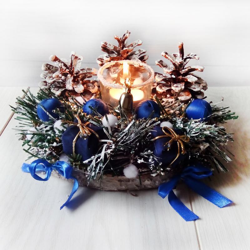 Рождественский декор - подсвечник новогодний с хвоей и шишками