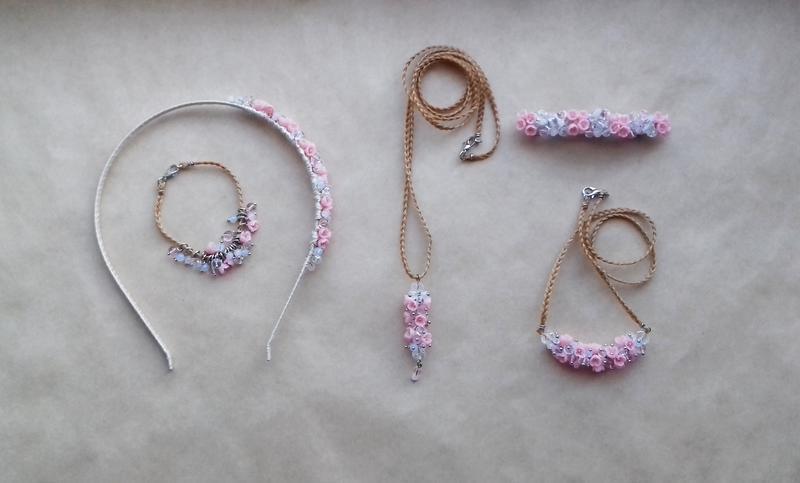 Нежно розовое колье, цветочное колье, колье с цветами, вечернее украшение, подарок