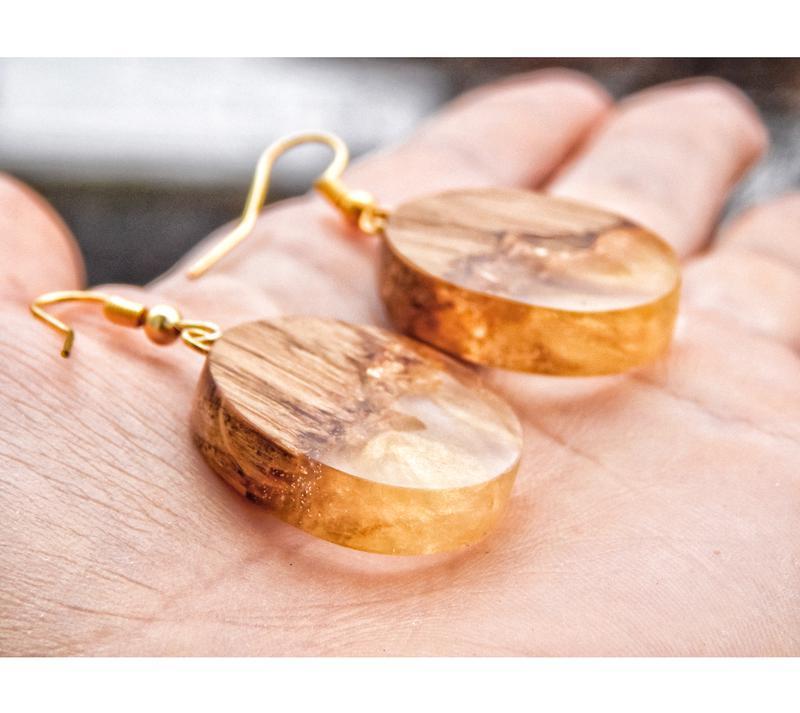 'ЗЛАТА', Сережки з дерева і епоксидної смоли, золоті сережки, дерево і смола, круглі сережки