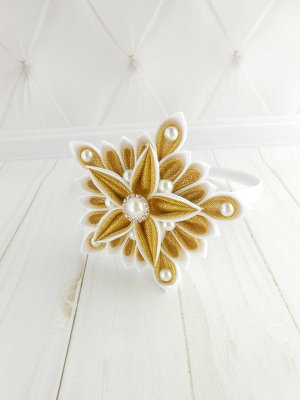 Ободок канзаши на голову для девочки Обруч с звездой для новогоднего утренника белый золотой