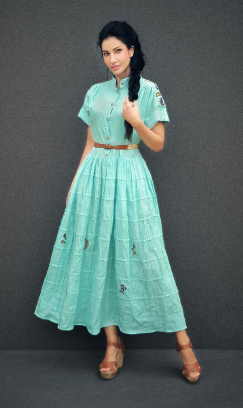 52469b39b1bc22 Длинное платье с вышивкой