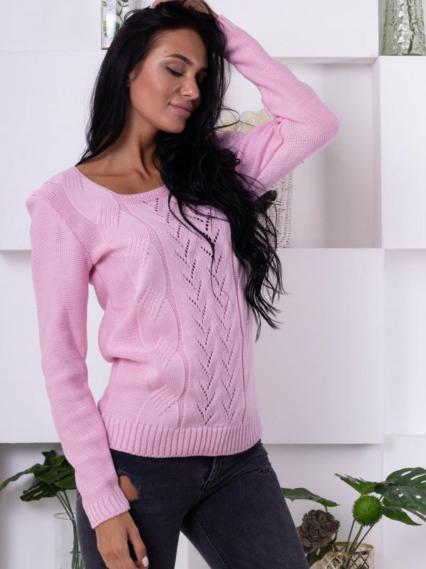 Нежный свитер ажурной вязки