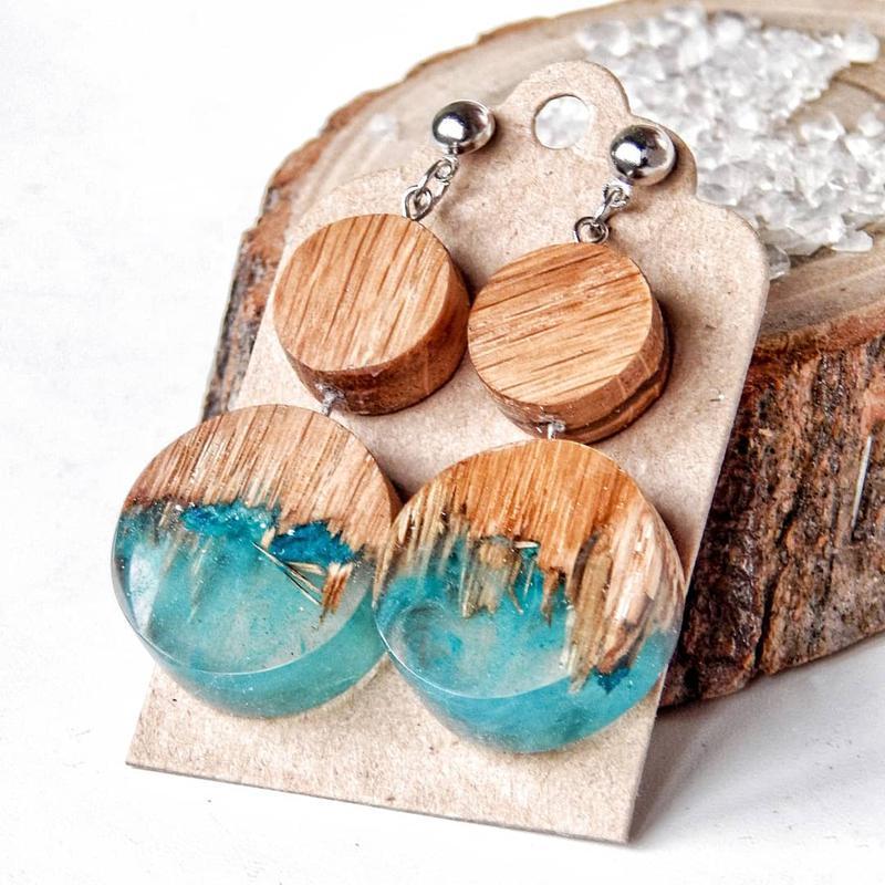 Серьги из дерева и ювелирной смолы, бирюзовые серьги, деревянные серьги, подарок для девушки
