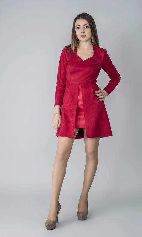 Платье красное замшевое
