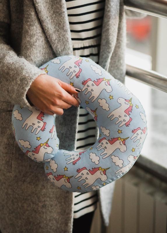 Двухсторонняя подушка для путешествий, дорожная подушка, в дорогу из плюша и хлопка - единороги