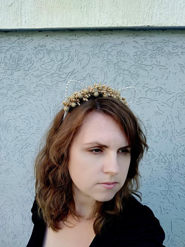Золотой ободок с ушками Обруч для волос Необычное украшение на голову Подарок девушке на праздник