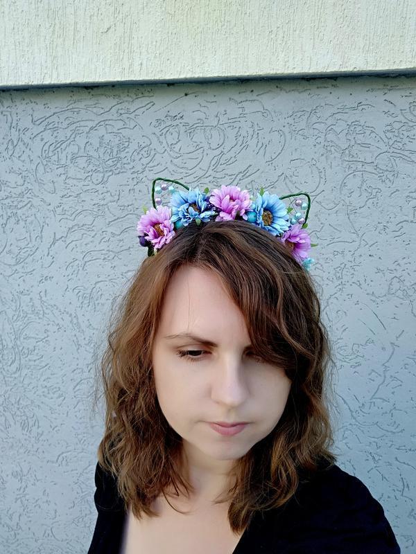 Цветочные кошачьи ушки на ободке Обруч для волос Украшение девушке в подарок Венок на голову