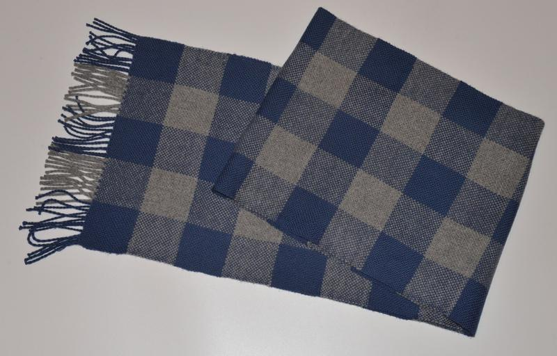 Мужской зимний домотканый шарф в клетку