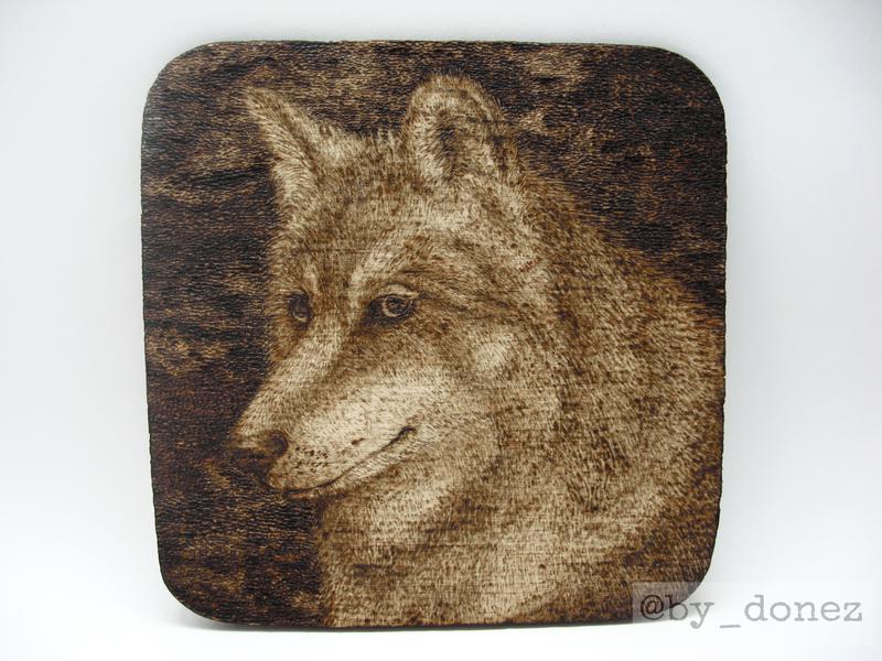 """Костер (подставка под чашку/кружку/бокал/стакан) """"Волк"""", выжигание, пирография по дереву"""