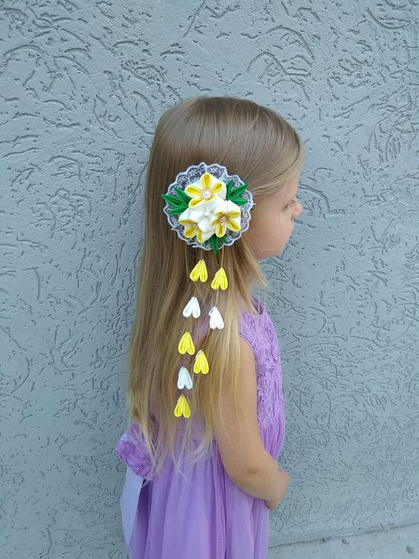 Желтая заколка с цветами канзаши на фотосессию Красивое нарядное украшение для волос Подарок девочке