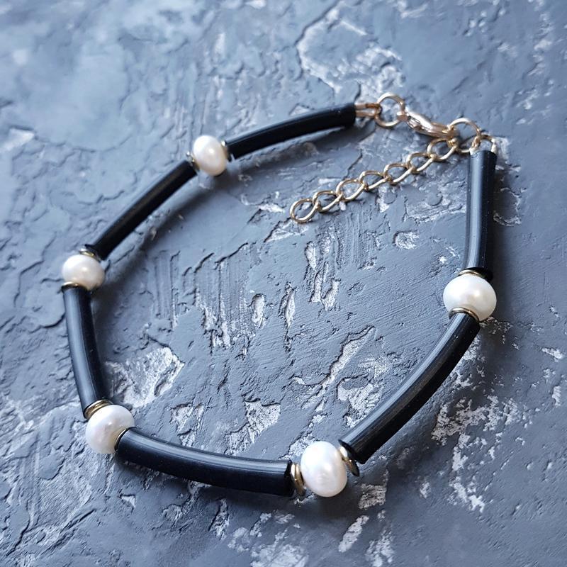 Браслет з натуральними білими перлами високого класу браслет с жемчугом черно-белый подарок 8 марта