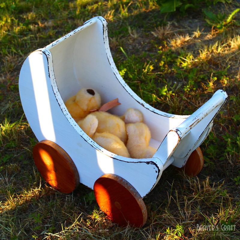 Кукольная деревянная коляска